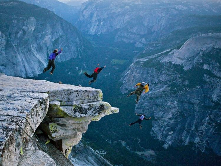 base-jumping-in-yosemite