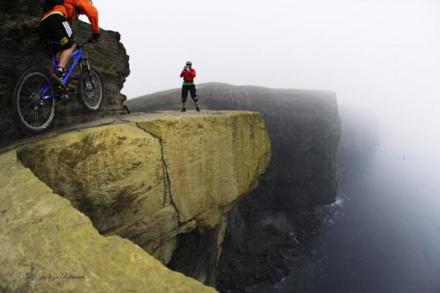 bike-trail-on-the-cliffs-of-moher