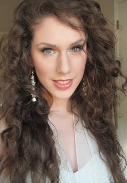 Cassandra-bankson-diamondsandheels14-taylor-swift-music-video-monday-acne-foundation-makeup-tutorial-video-youtube-diamondsandheels14-youtube-cassandra-bankson-cassy-twitter-ma
