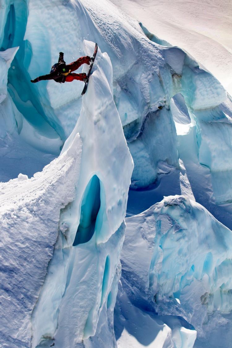 glacierboarding
