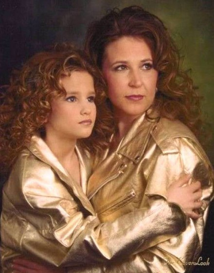mom-awkward-glamour