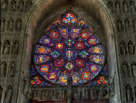 o-REIMS-CATHEDRAL-WINDOW-900