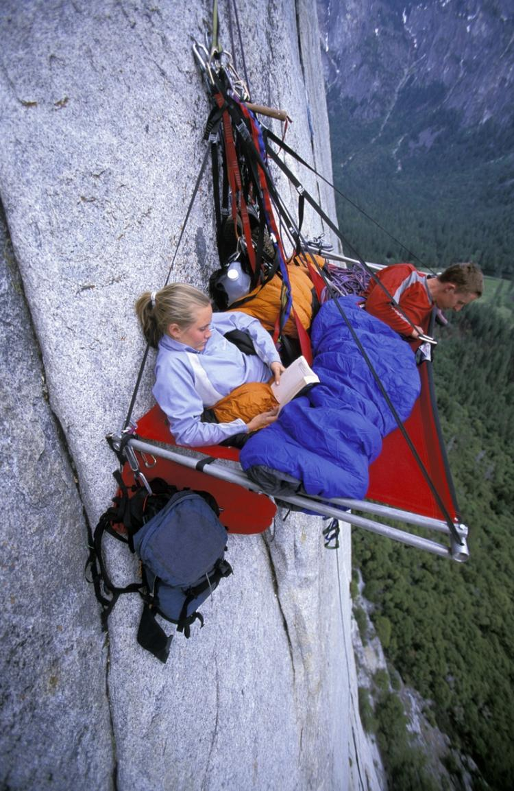 portaledge-camping-at-yosemite