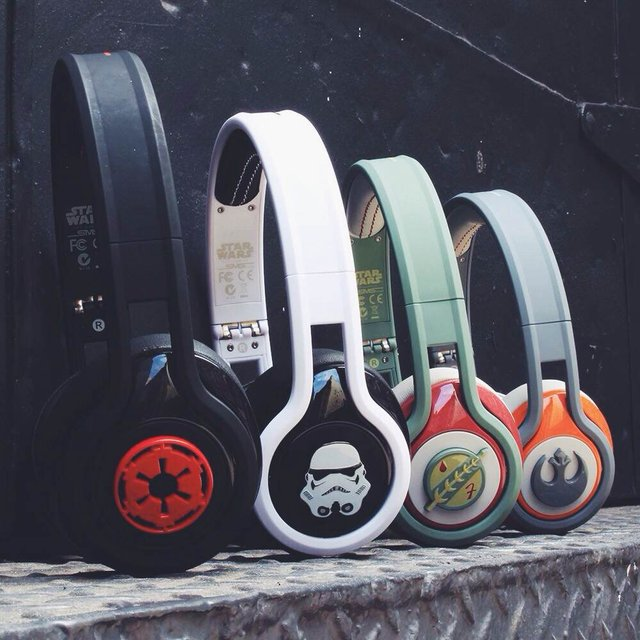 Star-Wars-First-Edition-STREET-by-50-On-Ear-Headphones