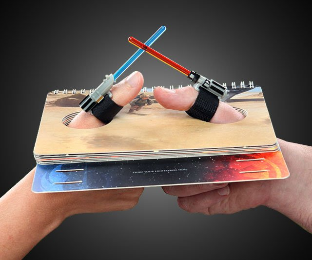 Star-Wars-Lightsaber-Thumb-Wrestling-Kit